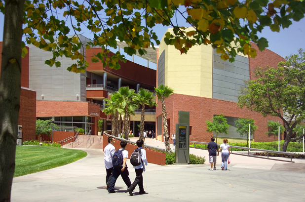 Students walking to and from the Food Court, Golden Eagle area, bookstore, main walkway