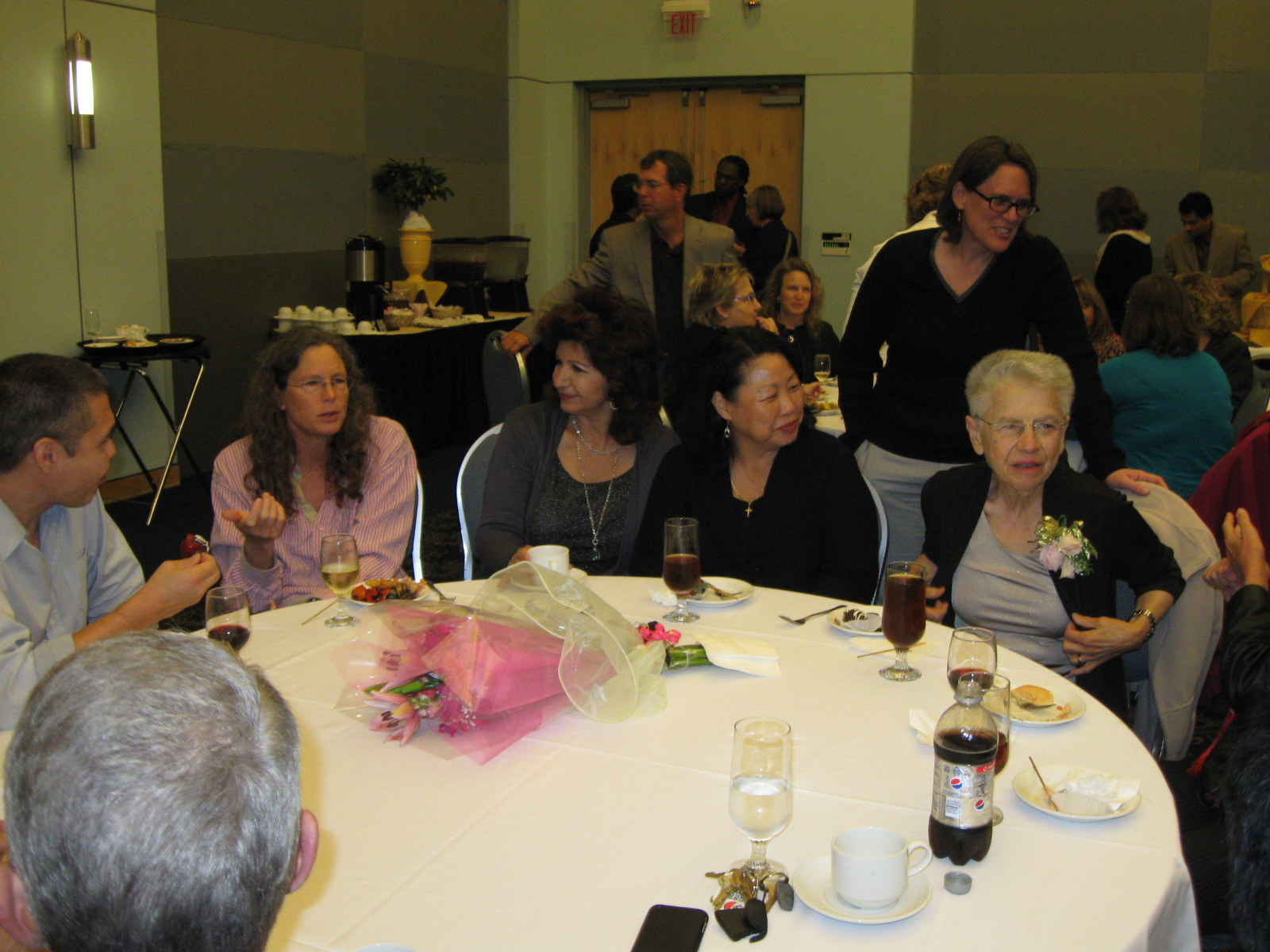 Richard, Kayley, Yvonne, Donna, Jenny, and Sheila