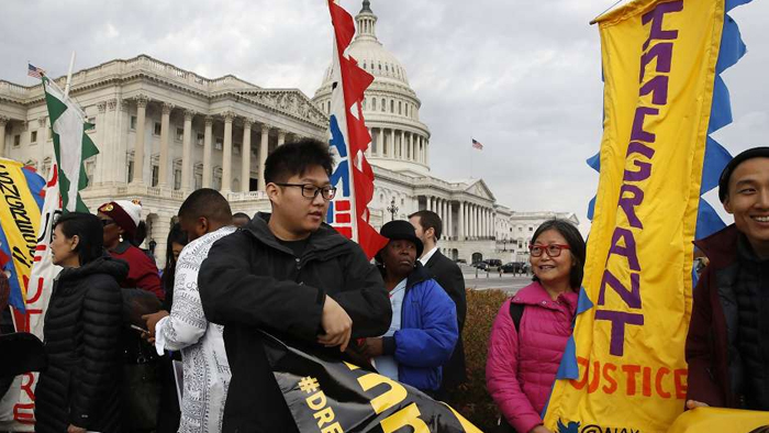 Legal status for Dreamers gets support of nearly 3 dozen House Republicans