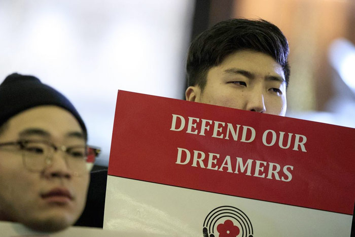 Activists rally on behalf of Dreamers