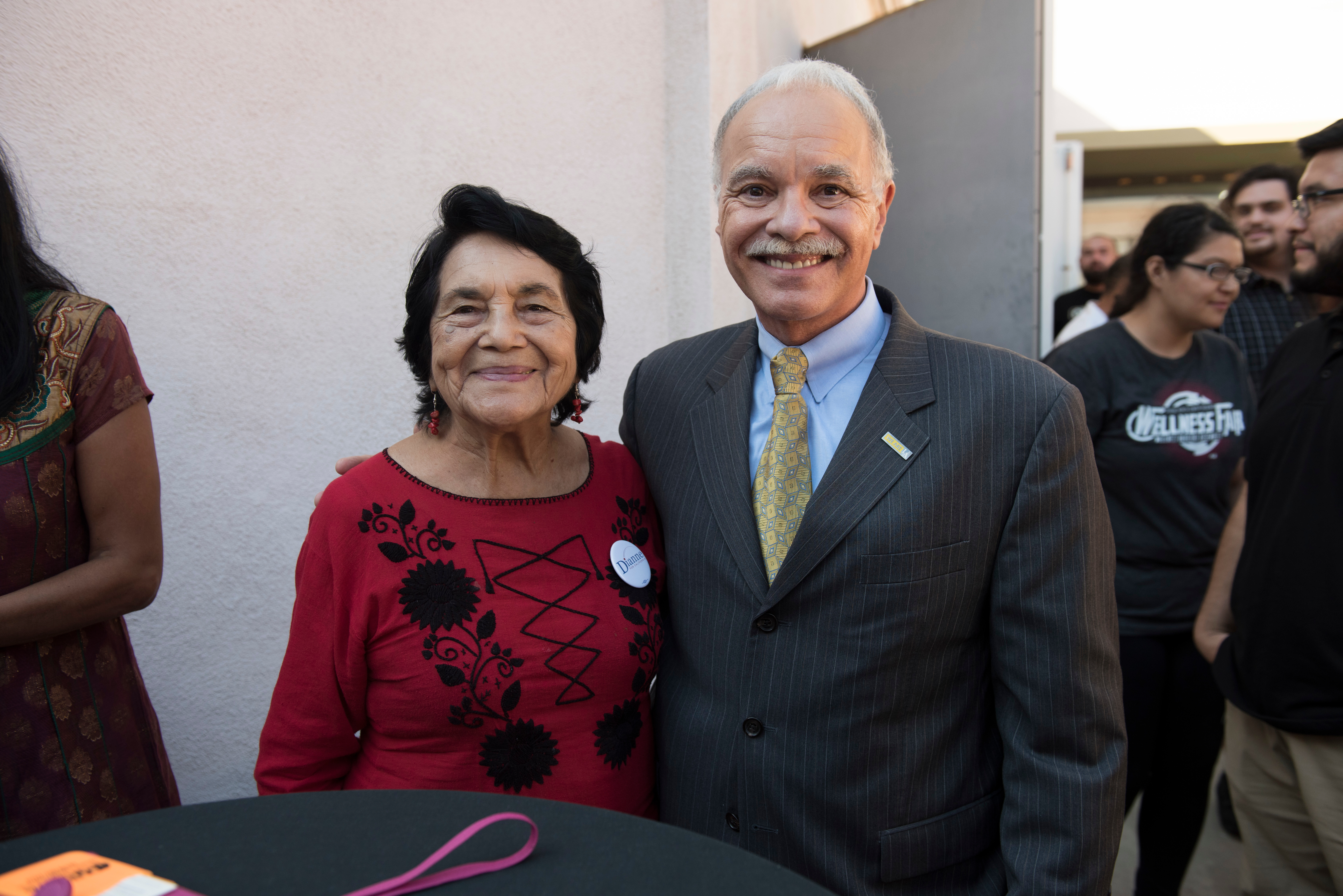 Dolores Huerta and President Covino at an afternoon reception.