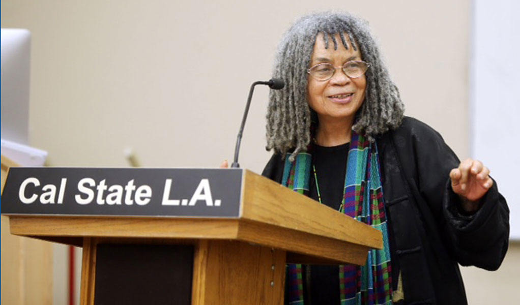 Sonia Sanchez introduces one of her poems