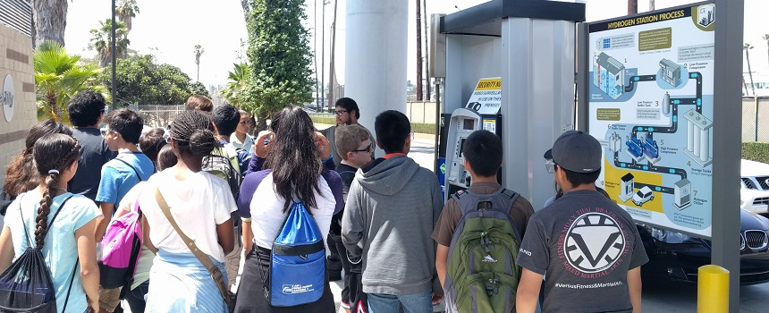 Kids touring the hydrogen station