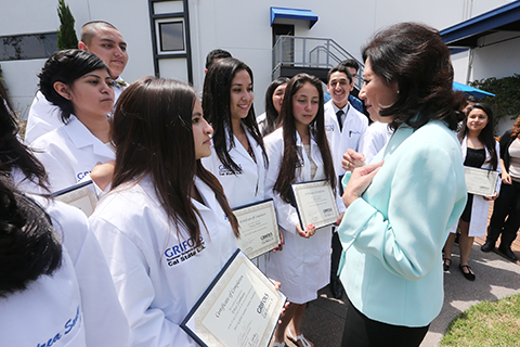 Hilda Solis with Garfield High students